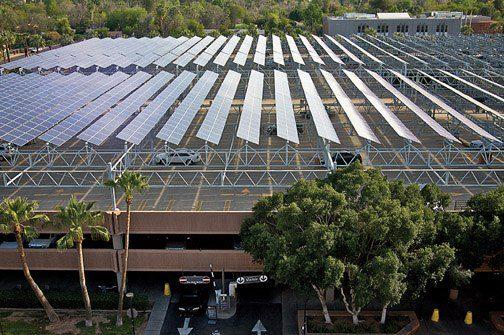 Panouri solare pe parcare