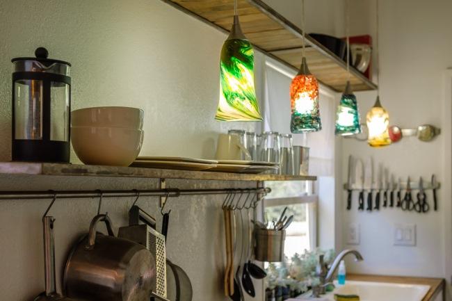 35-corpuri-iluminat-decorative-suspendate-deasupra-blat-lucru-bucatarie